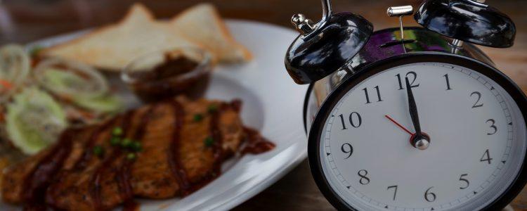 Diät und Chronobiologie: Wie, wann und was wir essen, zählt