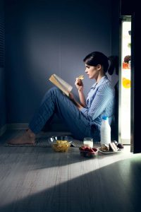 Nighttime Eating Linked to Poor Sleep