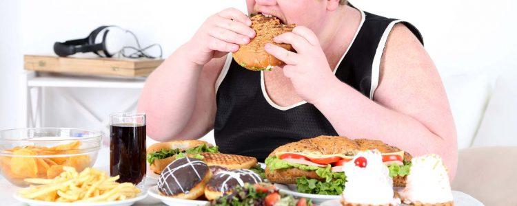 Den ganzen Tag essen - Diese Angewohnheit macht Amerikaner dick