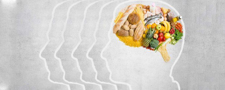 Neue Studie entdeckt Zusammenhang zwischen Schlafmangel und dem Verlangen nach Junk-Food