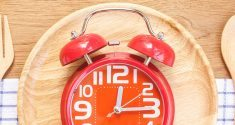 Beschränkung der Essenszeiten erhöht Lebensqualität bei neurodegenerativen Erkrankungen