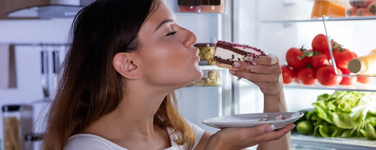 Why You're More Likely to Overeat in the Evening