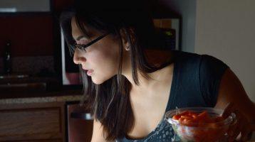 Neue Studie deutet Zusammenhang zwischen Essenszeit und Gewichtszunahme an