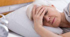 Schlaf und Osteoporose: Wie Schlafmangel die Knochengesundheit älterer Frauen schädigt 2